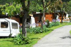 Camping International Mont Blanc / 1000m / La Salle
